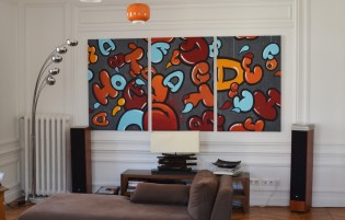 "Other view of ""Le bruit des lettres"" , acrylic and spraypaint on three 120cm/80 canvases ."